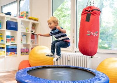 Therapiezimmer Trampolin